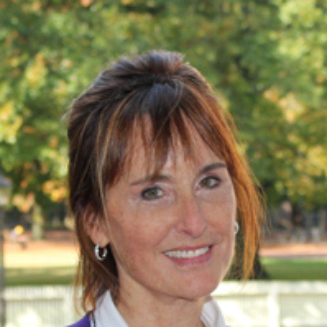 Headshot of Tamara Sonn